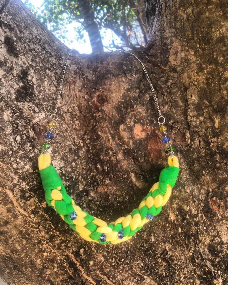trendy knot neckalce design