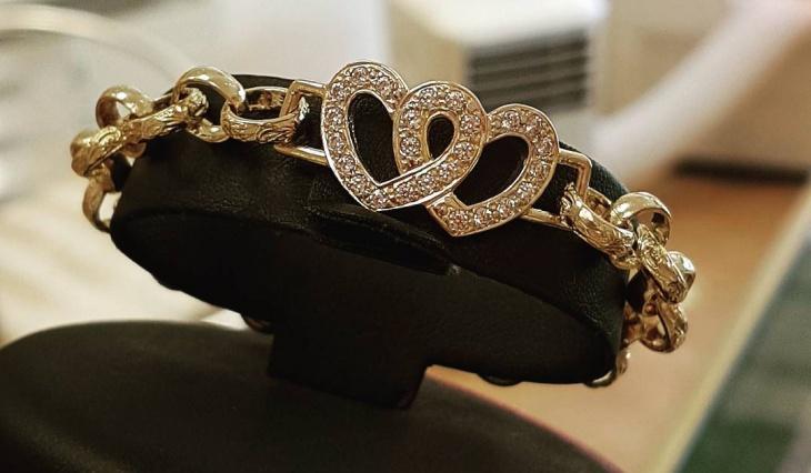 double heart bracelet design