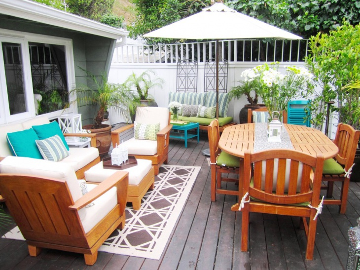 small backyard patio furniture