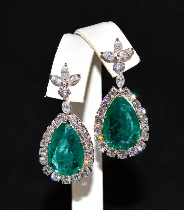 solitaire diamond and emerald earrings