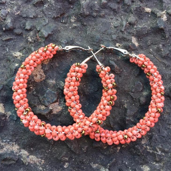 round hoop earrings design