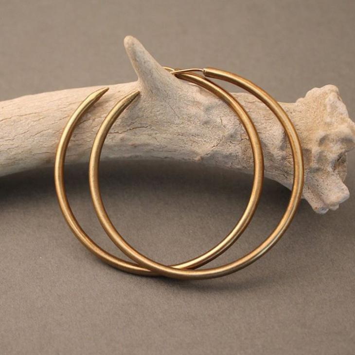gold hoop earrings design