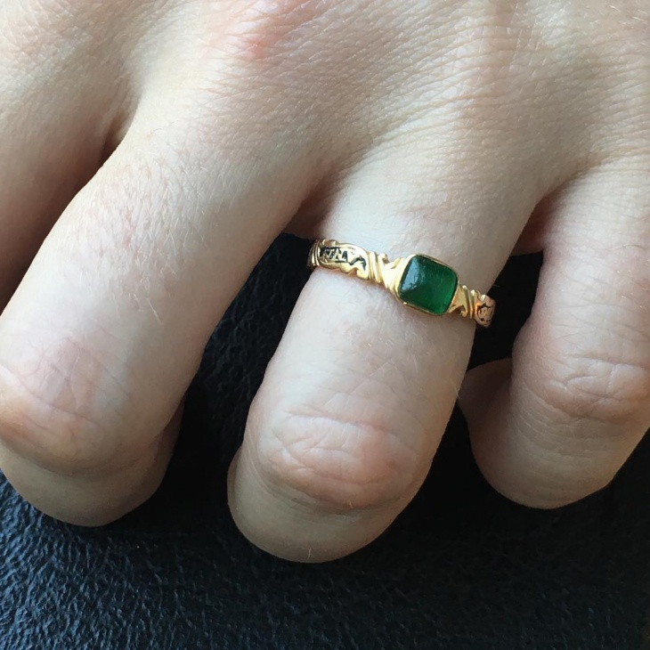 emerald stone ring design