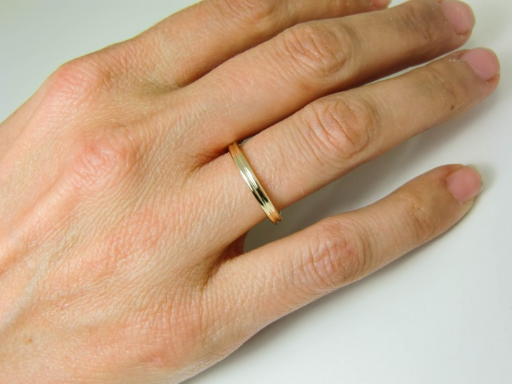 Simple Gold ring design