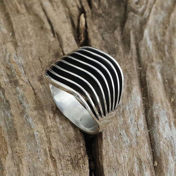 handmade silver ring design