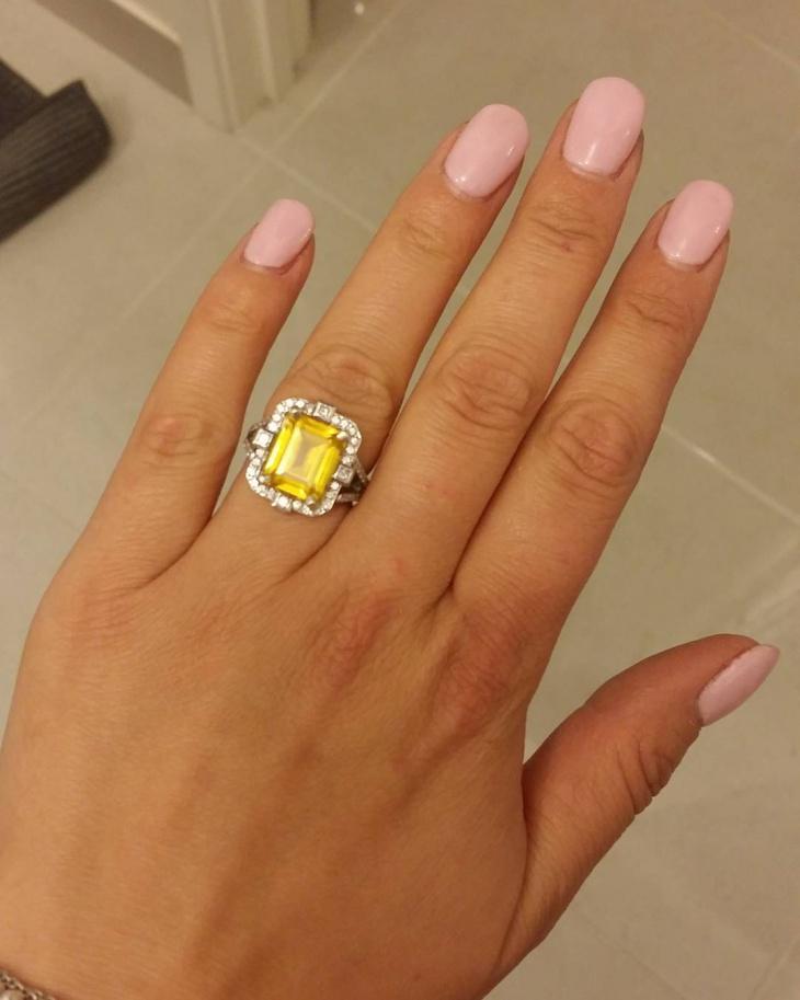 yellow sapphire ring design