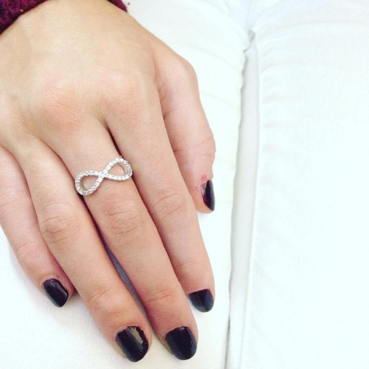 infinity diamond ring design