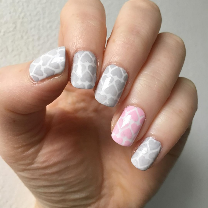 heart pattern nail design