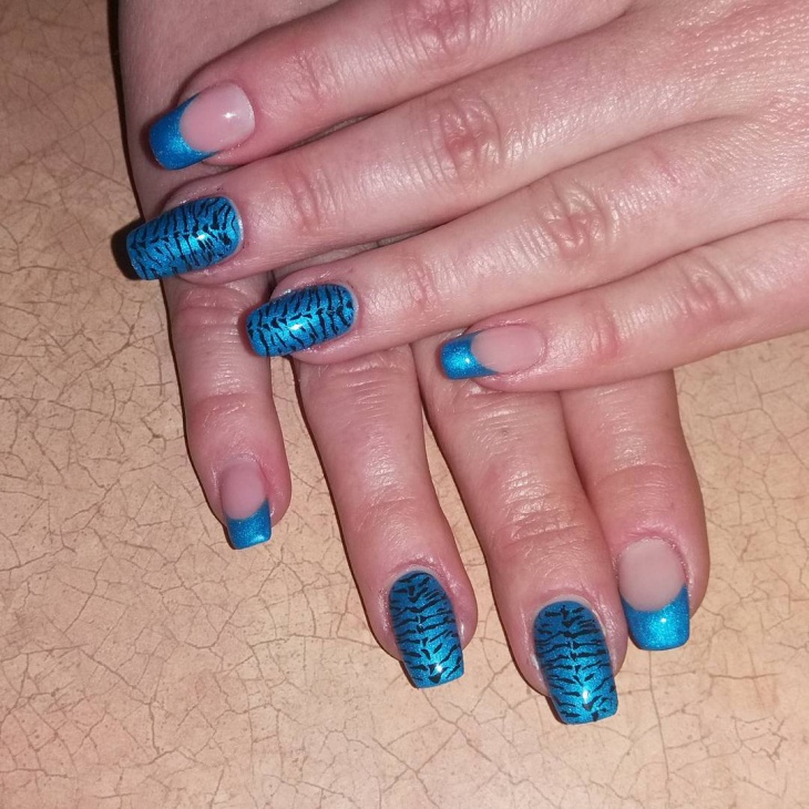 blue gel acrylic nail design