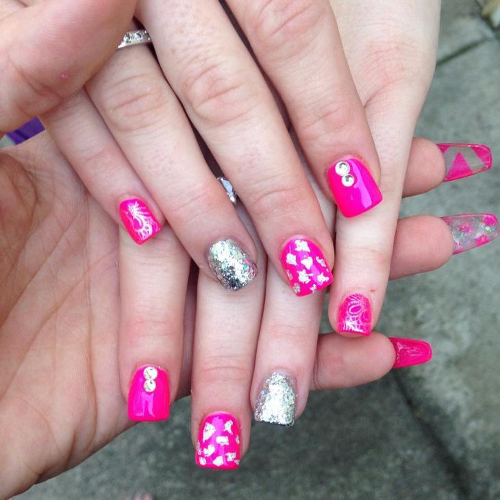short glitter acrylic nail design