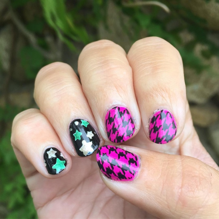 cool short fun nail design