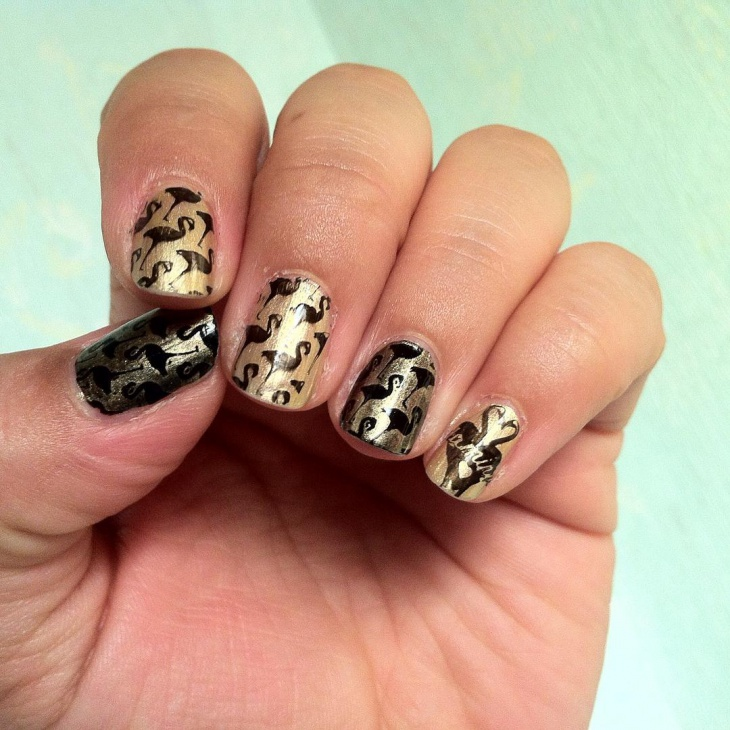 short black and gold nail designs