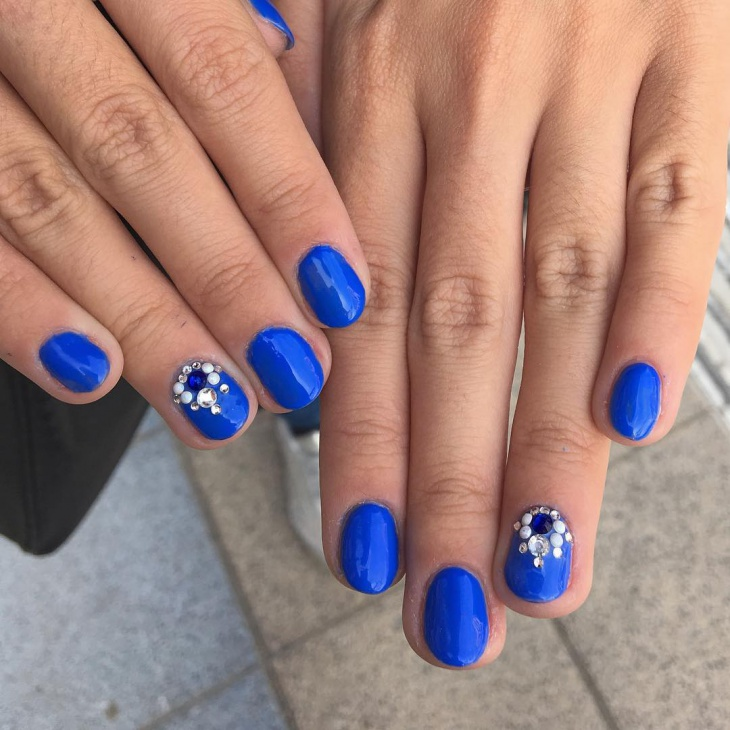 short royal blue nail design