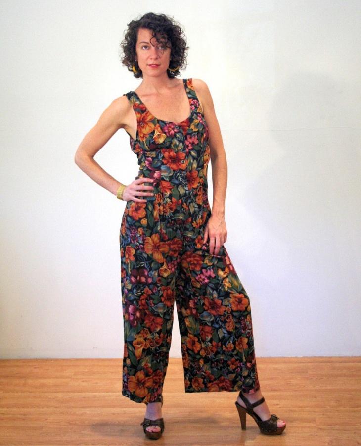 floral pants outfit design