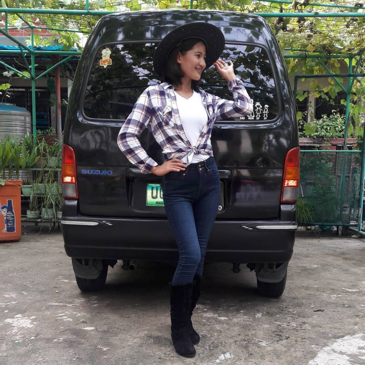modern cowgirl outfit