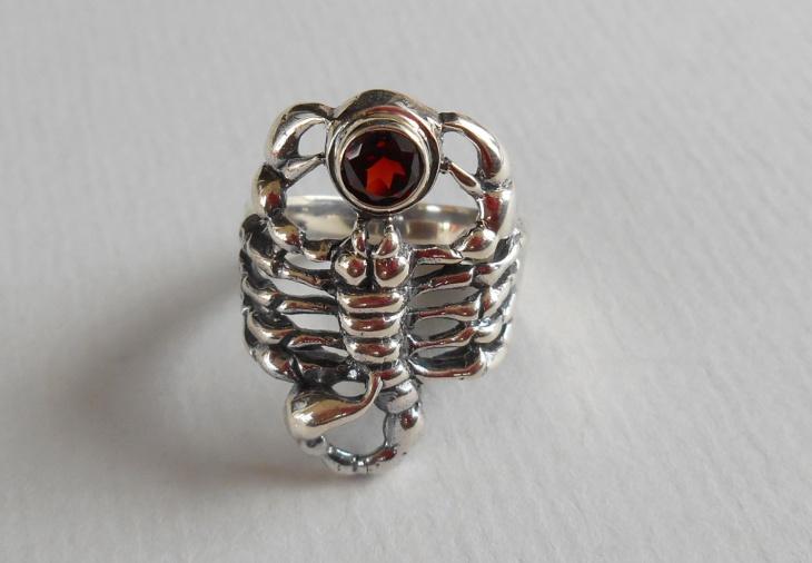 garnet stone scorpion ring
