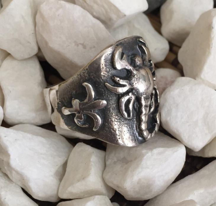 vintage scorpion ring design