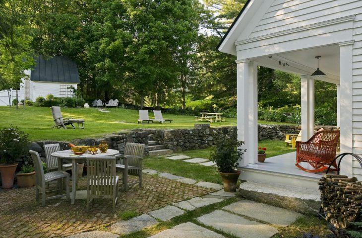 sloping garden patio design e1476443852287