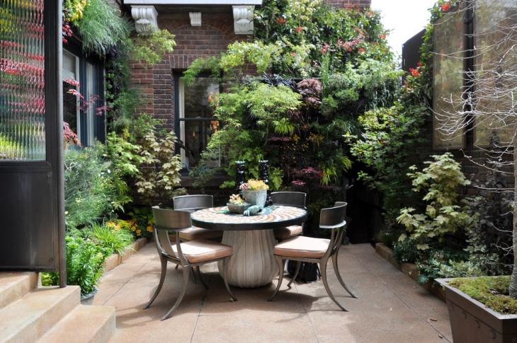 small outdoor courtyard design