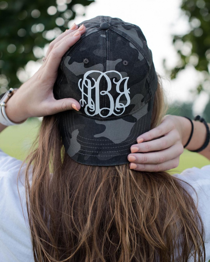 como monogram hat design