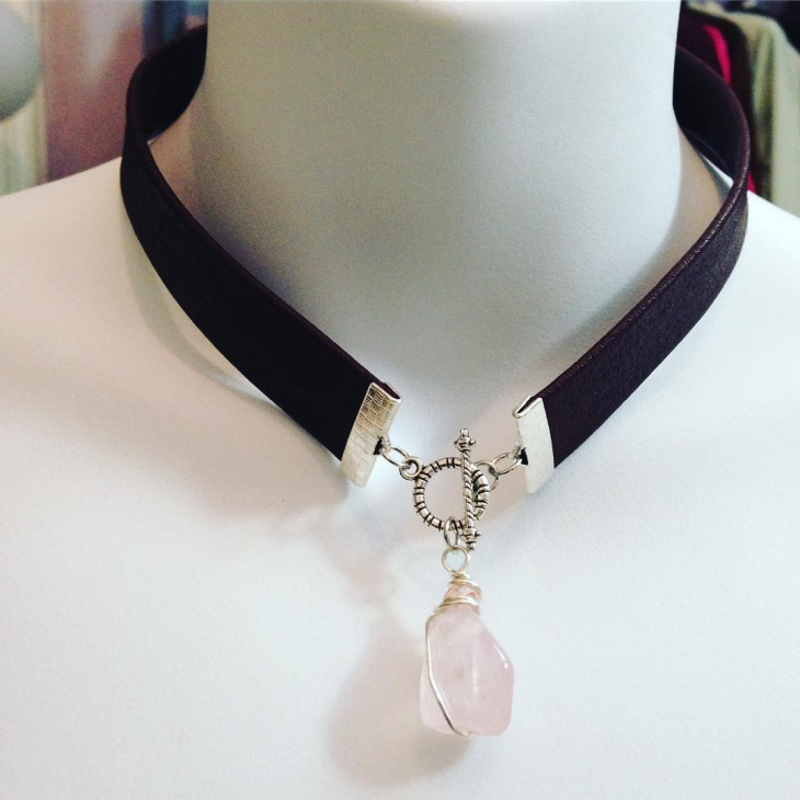 leather choker necklace design