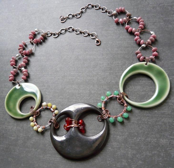 asymmetrical beaded necklace design