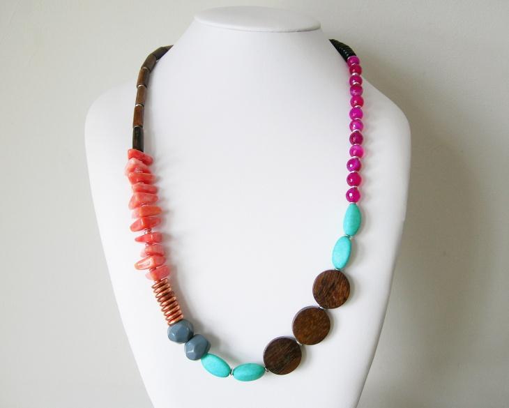 asymmetrical vintage necklace design