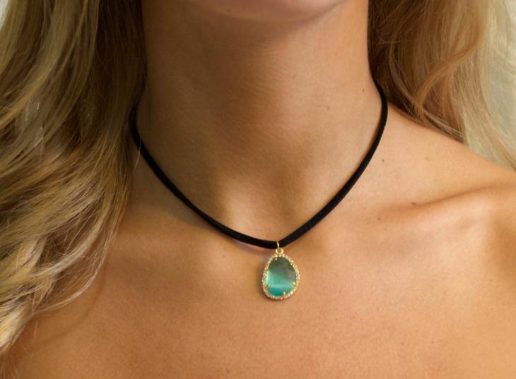 faux emerald necklace design