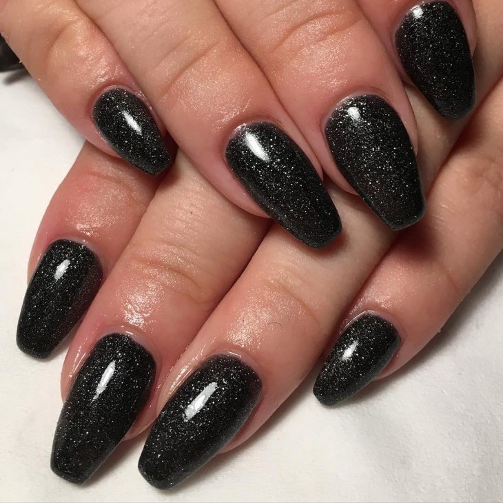 black gel acrylic nail art