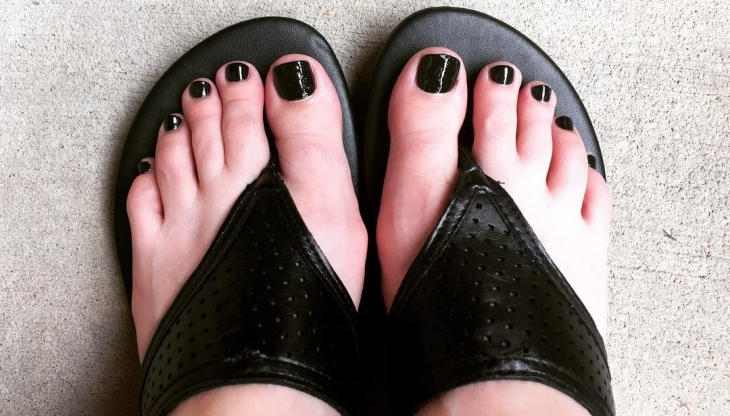 Cute Black Toe Nail Designs