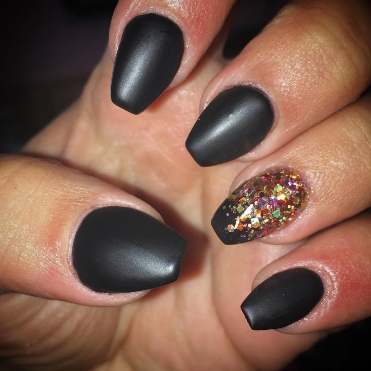 Matte Black Short Nail Art