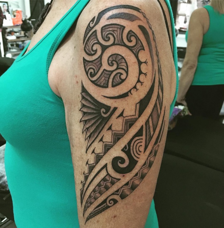 cool polynesian tattoo for women