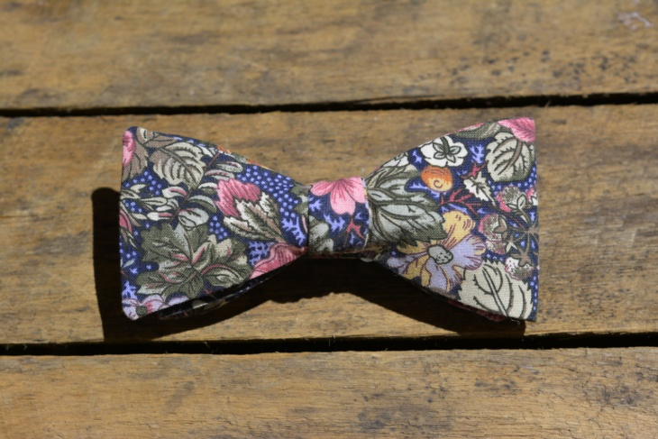 mens floral bow tie design