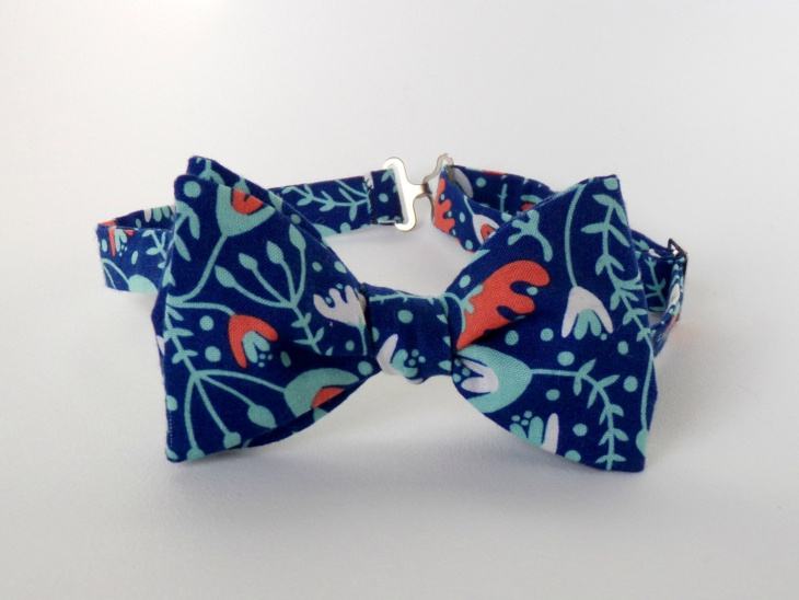 mens blue coral bow tie design