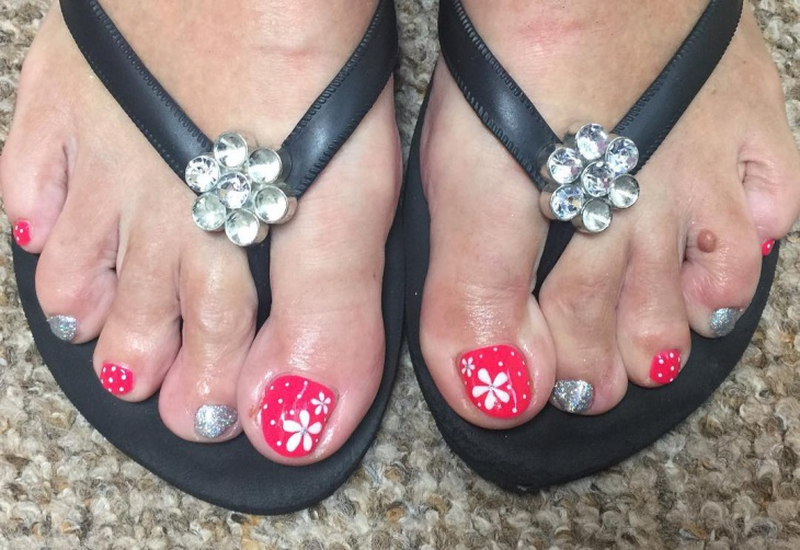 summer flower toe nail design