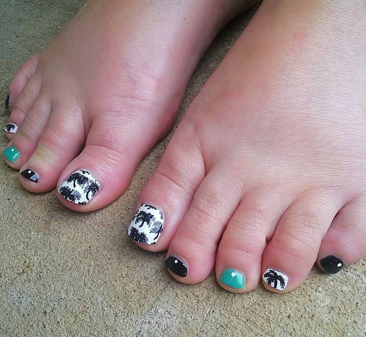 summer big toe nail design