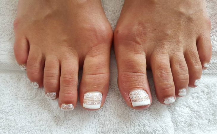 wedding lace toe nail design