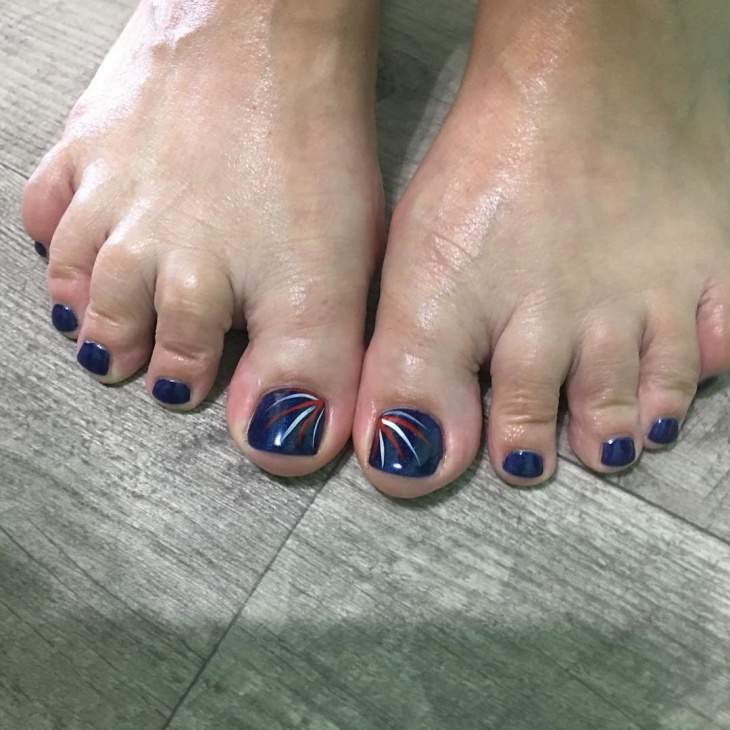 Cool Shellac Toe Nail Design