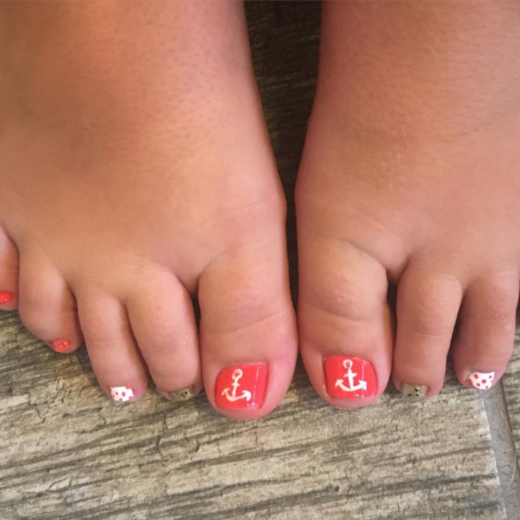 simple anchor toe nail design