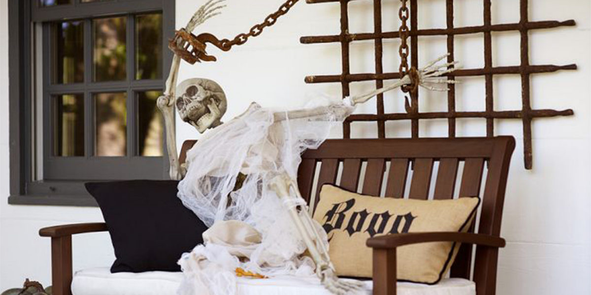 decorate with skeleton