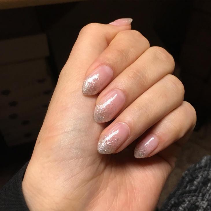 short stiletto glitter nail design