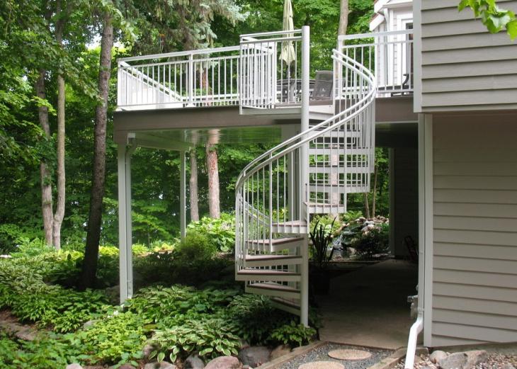 deck stair tread design
