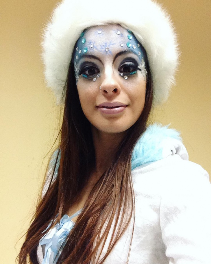 Dazzling Snow with Frozen Makeup