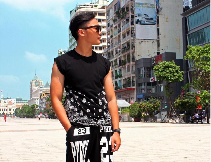 Men's Sleeveless Black T Shirt