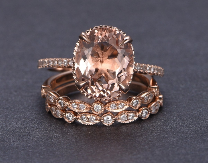 rose gold oval engagement ring1