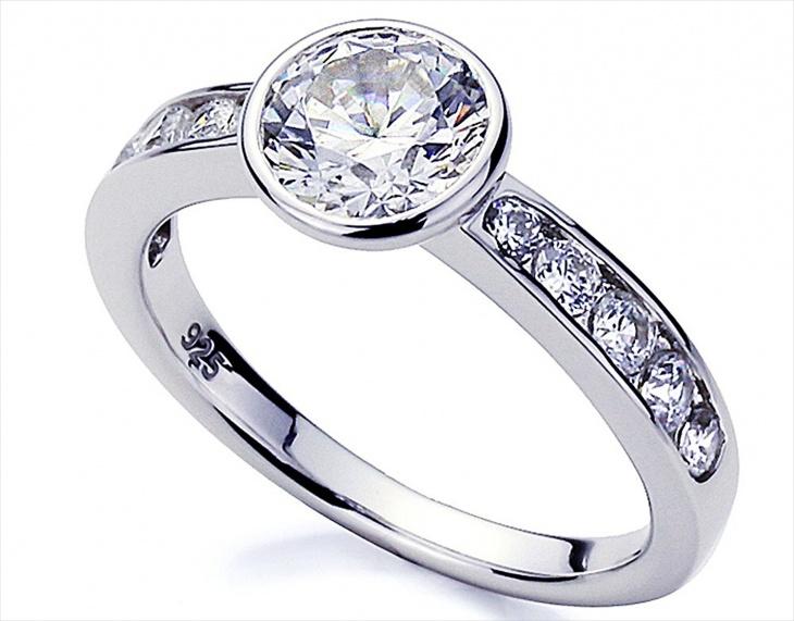 Round Platinum Engagement Ring