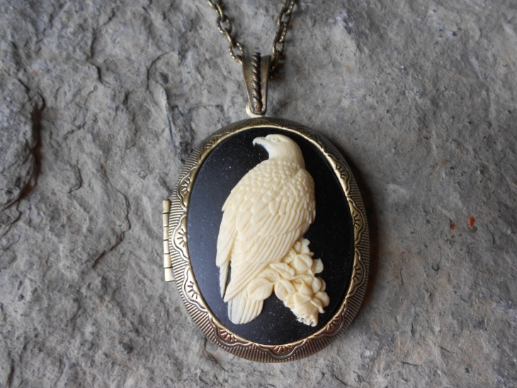 eagle pendant locket