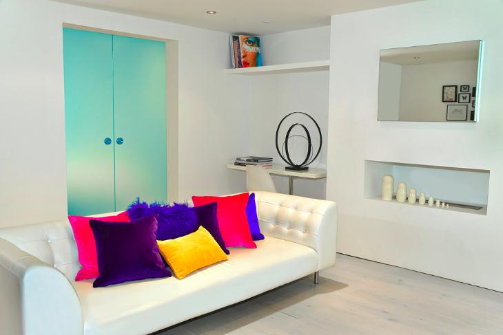 White Living room decor shelves
