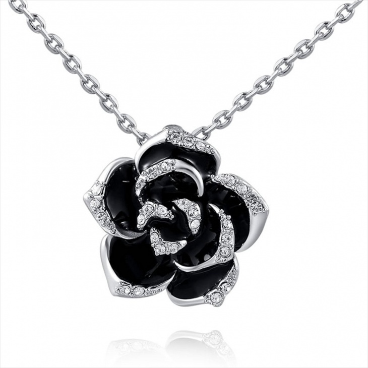 black spiked jewelry design