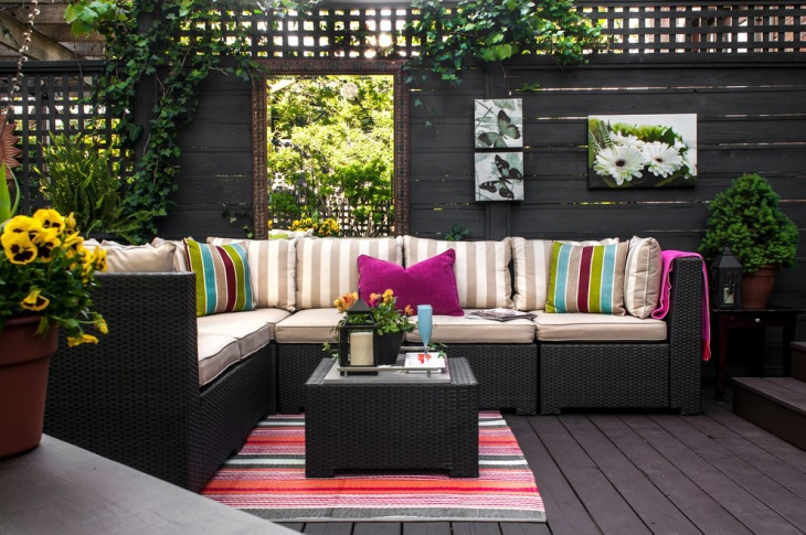 outdoor patio wall design